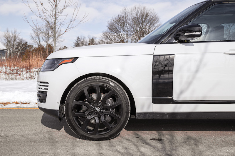 2020 Range Rover Fuji White wheels