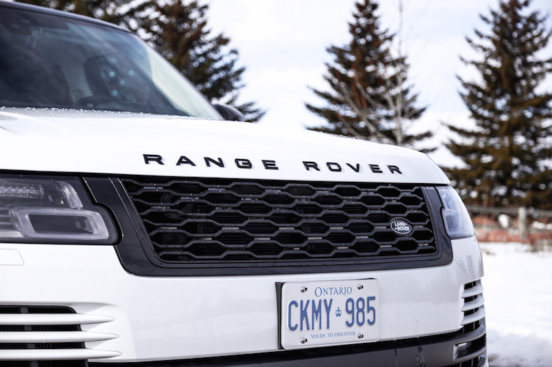 2020 Range Rover Fuji White front grill black package