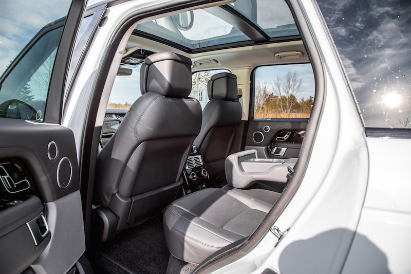 2020 Range Rover Fuji White rear seats