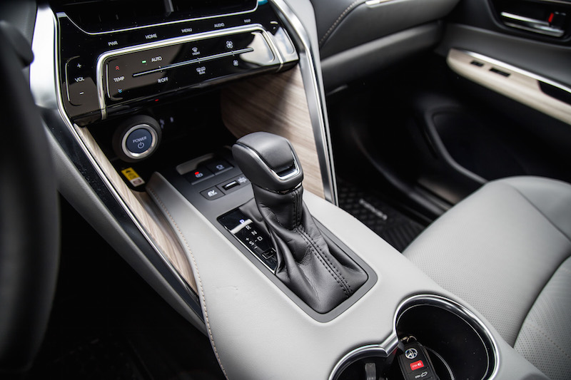 2021 Toyota Venza Hybrid Limited gear shifter