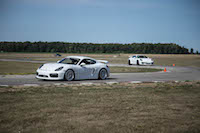 gt3 vs gt4 porsches on track